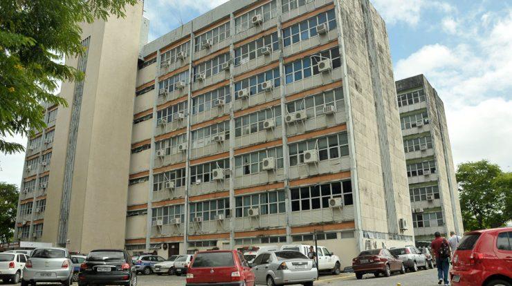 Governo da PB notifica 21 servidores por acúmulo de cargos e anuncia  bloqueio de salários; veja nomes – Bruno Lira